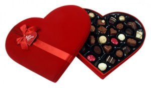 Heart-shaped-Chocolates-Box
