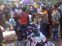 Second-hand aka bend-down-select cloth sales
