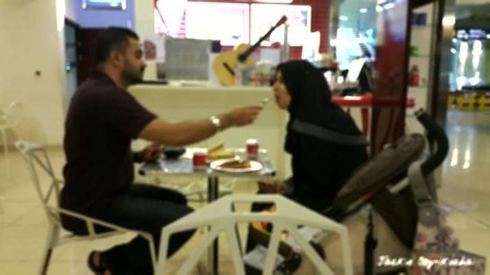 Feeding_couple[1]