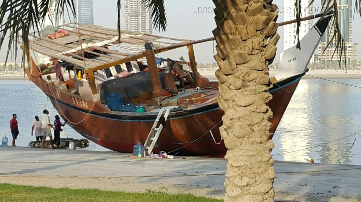 Dhows, Fishermen, Photograph, Repairing the boats.
