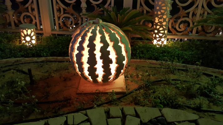 Garden Lighting and Ornaments, Beauty Effects, Landscaping, Fruit Lanterns, Artistic, Creativity, Beautiful