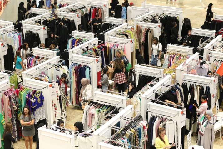 Fashion, Summer sales, clothing