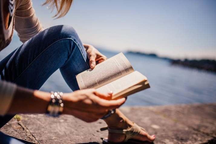 Reading Woman, Reading