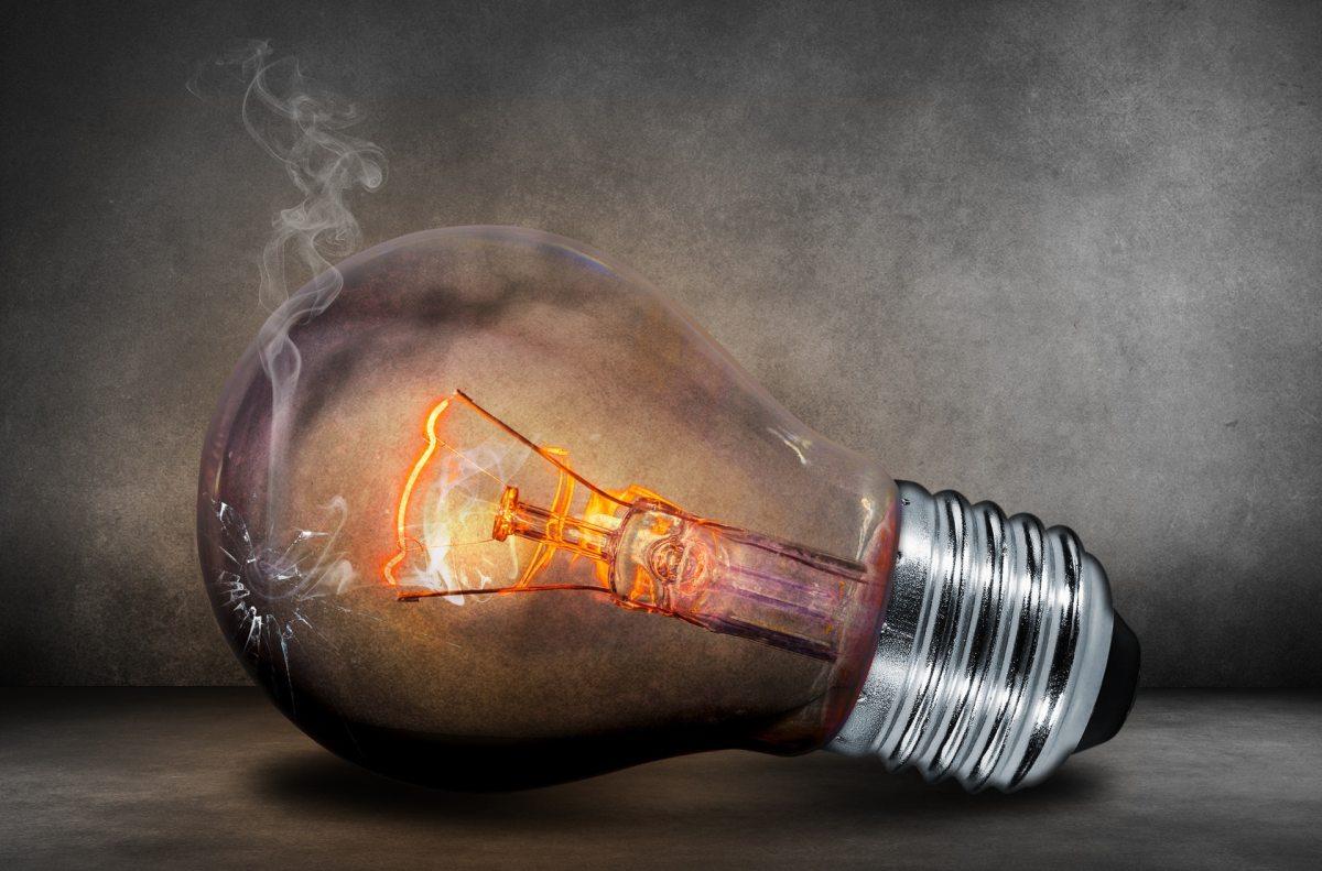 Light bulb, current
